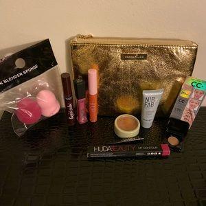 11 Piece Makeup Gift Set.